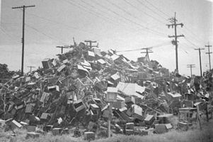 sir-basil-spence_rubbish-pile